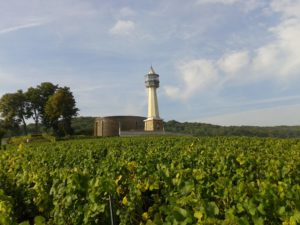 Balades insolites en Champagne en Estafette Phare de Verzenay Reims Epernay